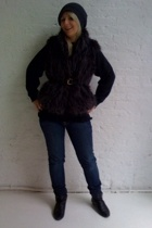 Dollhouse vest - sweater - bulldog jeans - Dolce Vita shoes - Kova & T hat