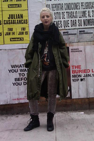 black sosume scarf - black sophia DV boots - beige snakeskin jeans