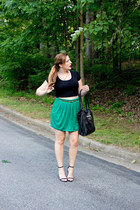 green casual chic bcbg max azria skirt - black leather Nine West bag