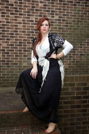 camel Nine West shoes - black lace bcbg max azria sweater