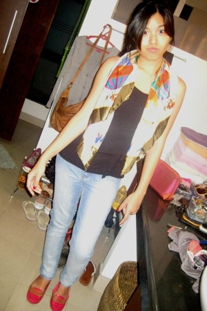 Cheap Monday Jeans - Thrifted hot-air balloon printed scarf - Black ruffled top