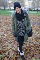 VLevel coat - Ugg boots - Zara sweater - Calzedonia leggings