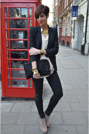 black Zara blazer - beige Dixie t-shirt - black Zara pants - beige Zara heels