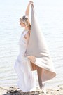 White-lcb-boutique-dress-tan-straw-h-m-hat-bronze-polette-sunglasses