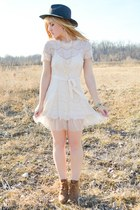 cream lace Flourish Boutique dress - brown Steve Madden boots