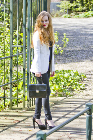black Primark jeans - white H&M blazer - black vintage bag - black new look heel