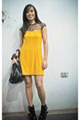 Yellow-glitterati-dress-black-summersault-shoes-black-trunshow-accessories