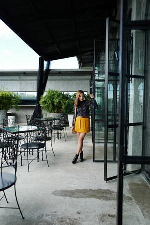 mustard Forever 21 skirt
