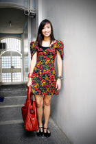 red printed dress - black flats shoes - red shoulder bag accessories