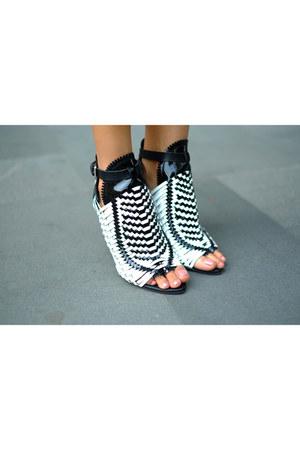 black PROENZA SCHOULER heels