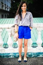 gray Looking for Lola top - blue random brand shorts - beige Renegade Folk shoes