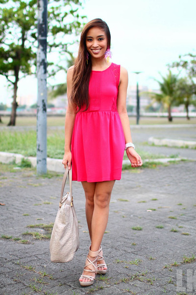 hot pink H&amp;M dress