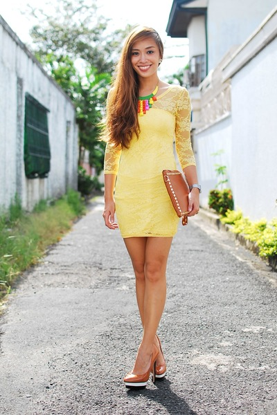 yellow lace H&M dress
