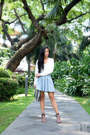 light blue H&M skirt