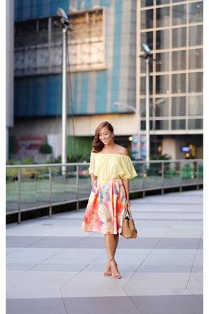 yellow H&M skirt