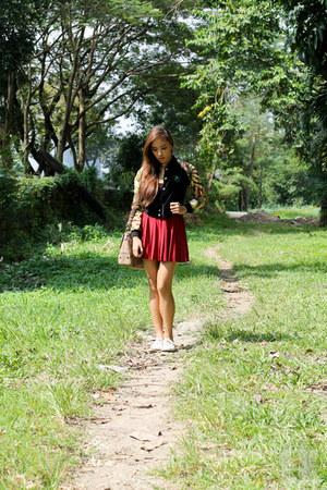 maroon H&M skirt