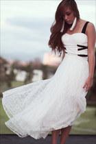 white corset Wisdom intimate