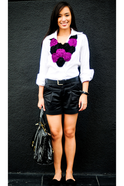 white Zara top - black Zara shorts - black Zara belt - black Bazaar shoes - blac
