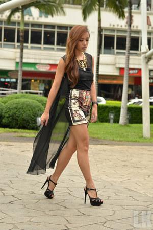 black Stradivarius heels