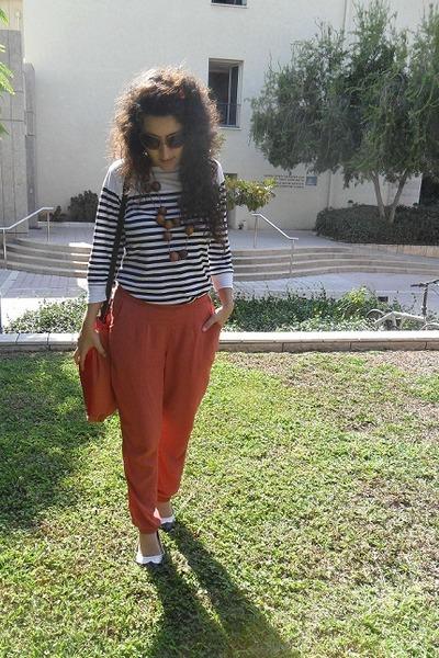 burnt orange Maya Shalev bag - burnt orange tamnoon pants
