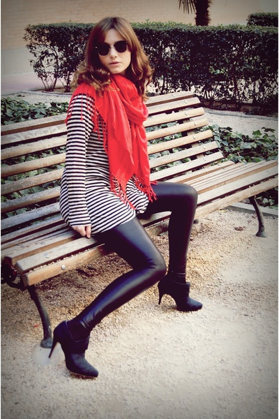 black Zara shoes - black Zara leggings - black Zara shirt - red scarf