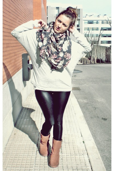 brown Ugg boots - black leather Zara leggings - gray Zara shirt