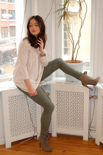 army green H&M leggings - dark khaki suede BELLE SHOES boots