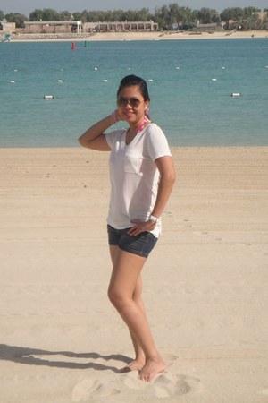 Forever 21 blouse - RRJ shorts - rayban sunglasses