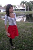 tan Forever 21 shoes - black Forever 21 leggings - gray Forever 21 top - red For