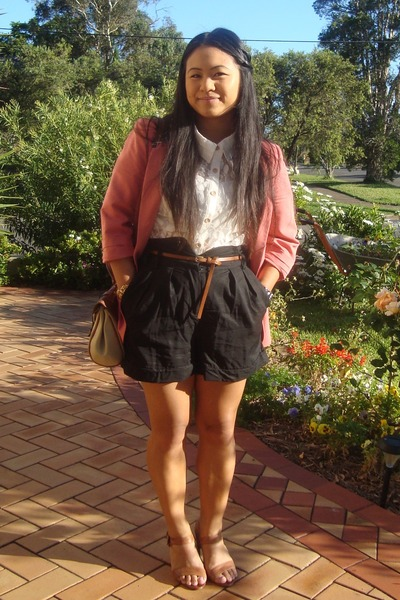 hot pink bardot blazer - ivory Glassons blouse - black Glassons shorts - tan Spo