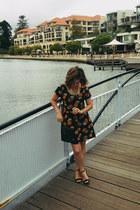 black faux crocodile vintage bag - dark gray pineapple print muii dress