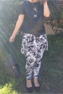 Black-vintage-bag-white-floral-harem-manikin-pants