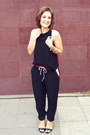 Maroon-maurie-eve-pants-black-maurie-eve-top-black-betts-heels