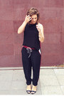 Black-maurie-eve-top-maroon-maurie-eve-pants-black-betts-heels