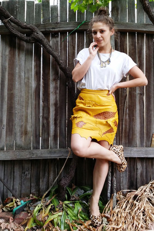 yellow vintage skirt - white cotton on t-shirt