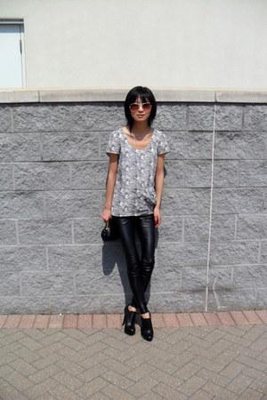 black leather Aritzia leggings - white Central Park West top - black Aldo heels
