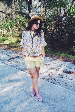 light yellow American Eagle shorts - off white Old Navy blouse