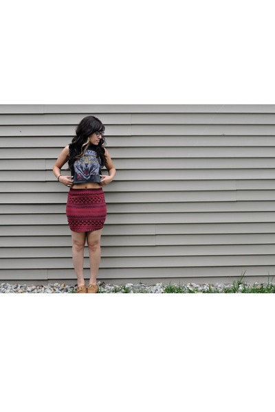 black crop top Urban Outfitters shirt - crimson bodycon Urban Outfitters skirt