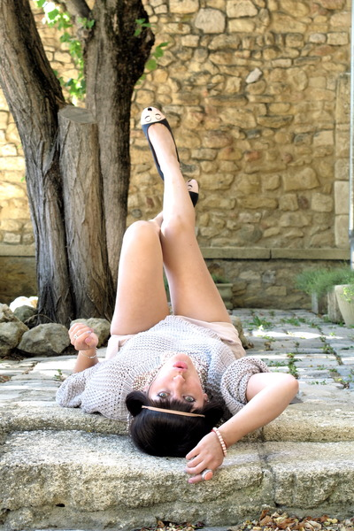 silver sessun sweater - bubble gum Zara shorts