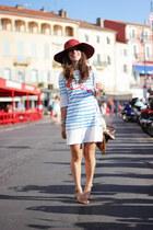 hat sessun accessories - Tsumori Chisato  Petit bateau dress - Melissa sandals