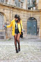 yellow Chicwish coat - black Stradivarius bag - blue Levis Vintage shorts