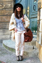 heather gray Zara shoes - bubble gum model molly Wrangler jeans - white peace of