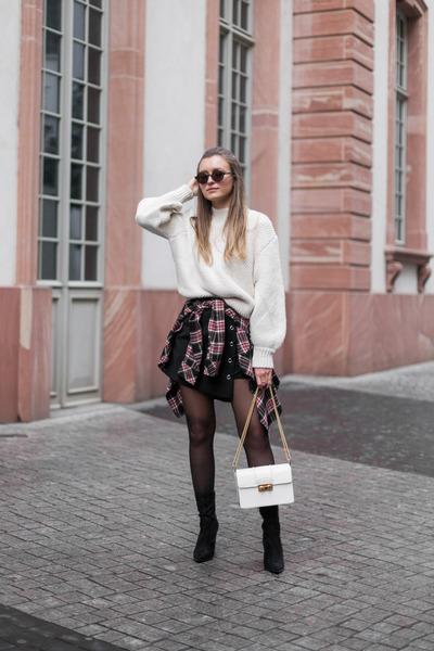 off white knit Zara jumper - black Kendall  Kylie boots
