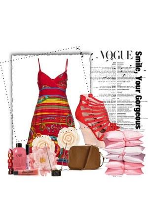hot pink short desigual dress - camel cross body Forever 21 bag