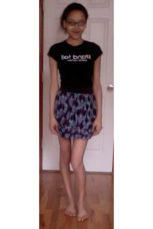 deep purple Express skirt - black stretch fitted Petite Nation t-shirt