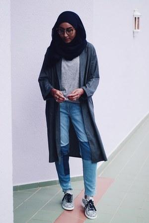 patched H&M jeans - Mitsumaru coat - grey Factorie t-shirt