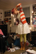 yellow American Apparel leggings - white vintage skirt - white Charlotte Russe s