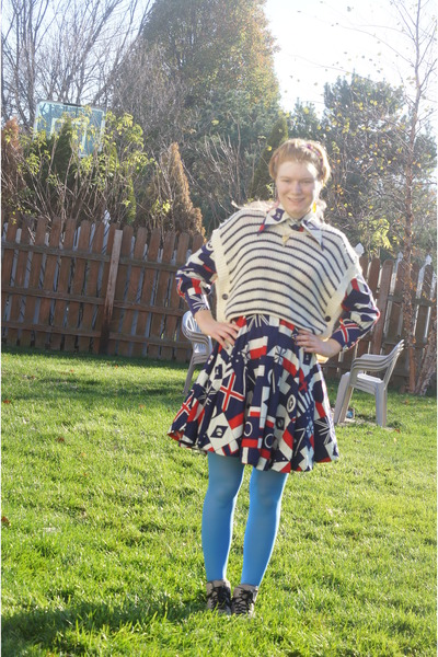 red vintage Saba dress - white Absolutely sweater - sky blue HUE tights