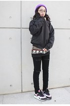 purple Gee hat - black Divos coat - black stylish jeans - light purple nike shoe