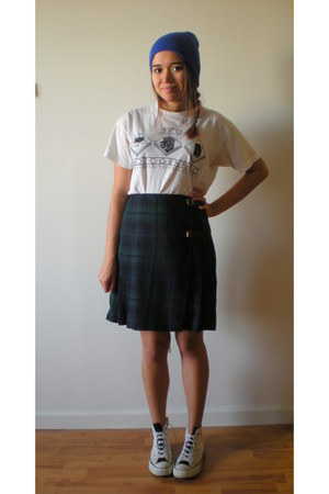 vintage t-shirt - Converse shoes - blue hat - vintage skirt